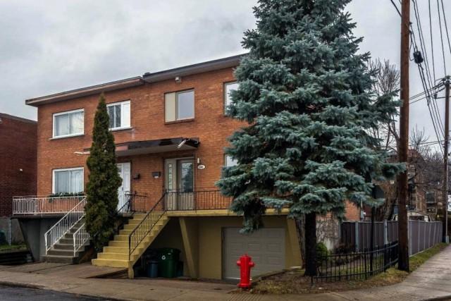 Cette maison jumelée à LaSalle(Montréal) a été vendue402... (Photo fournie par les courtiers)