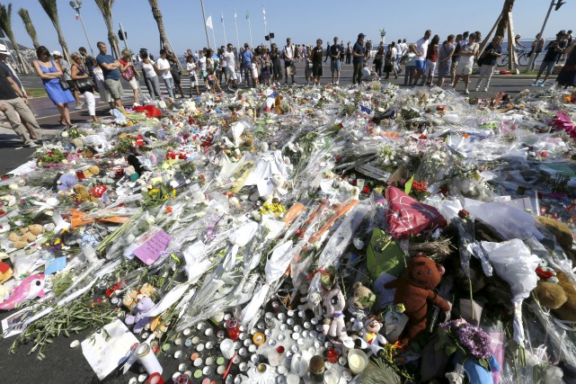 La Promenade des Anglais à Nice où un... (Associated Press)
