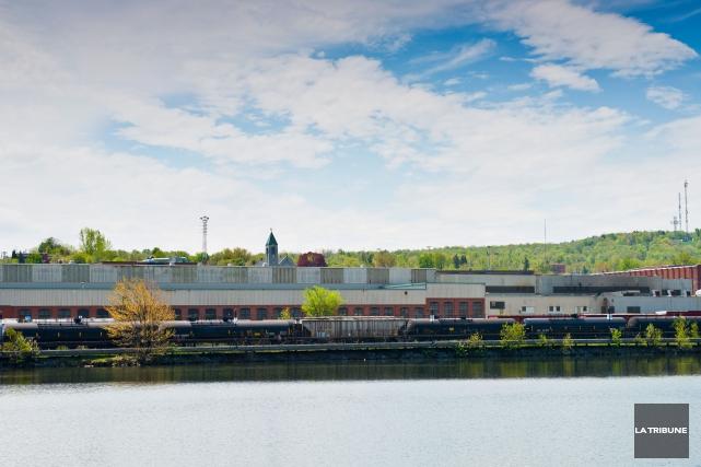 Supermétal de Sherbrooke, entreprise située sur le rive... (Archives La Tribune, Jessica Garneau)