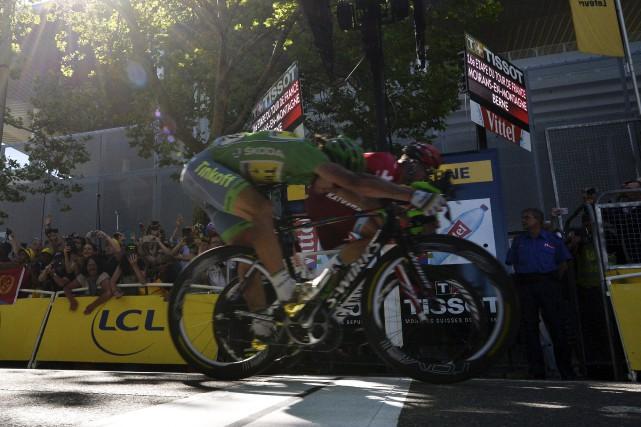 La fin de course entre Peter Sagan (à... (AFP)