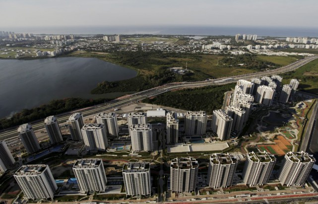 Le village olympique de Rio.... (PHOTO RICARDO MORAES, ARCHIVES REUTERS)