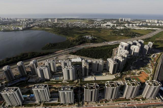 Le village olympique de Rio.... (PHOTO RICARDO MORAES, ARCHIVES REUTERS)