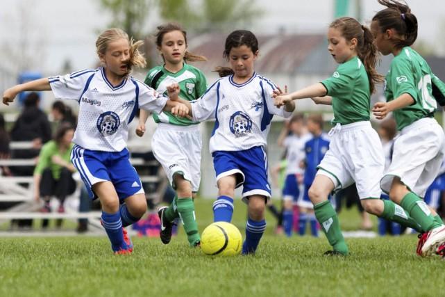 Ça ne dérougit pas! Les filles continuent d'affluer au sein de l'Association de... (Photo fournie)