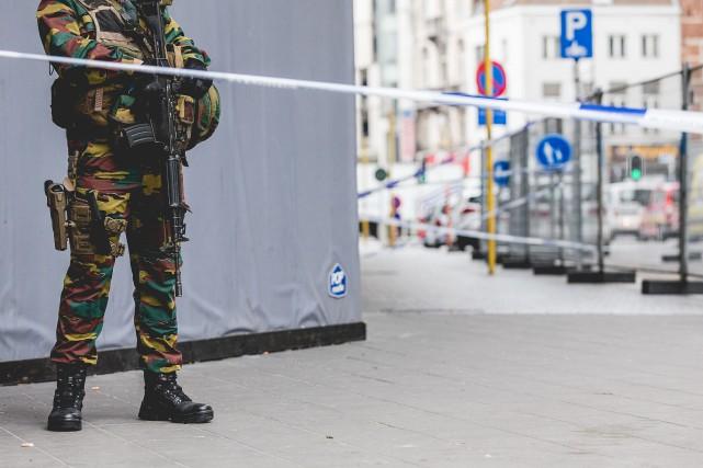 Un périmètre de sécurité a été installé dans... (Photo Agence France-Presse)
