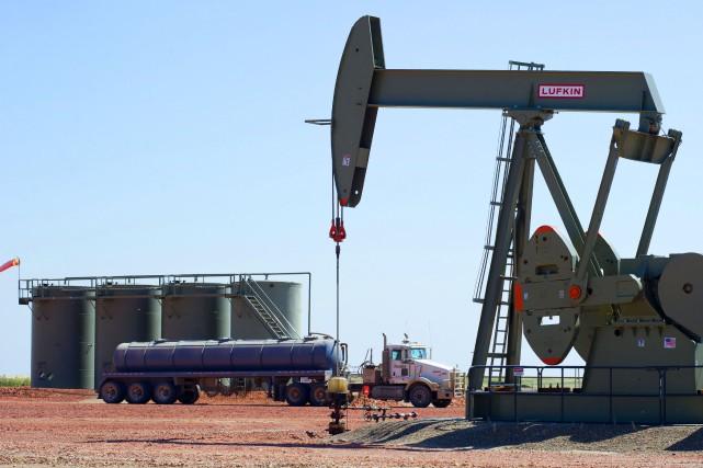 Les cours du pétrole ont terminé proche de l'équilibre mercredi, le recul plus... (PHOTO KAREN BLEIER, ARCHIVES AFP)