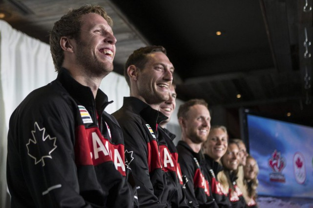 Sam Schachter, Josh Binstock, Ben Saxton, Chaim Schalk,... (Photo Chris Young, La Presse Canadienne)