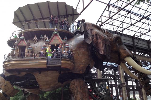 Le Grand Éléphant, nouveau symbole de Nantes, fait... (Collaboration spéciale Raphaëlle Plante)