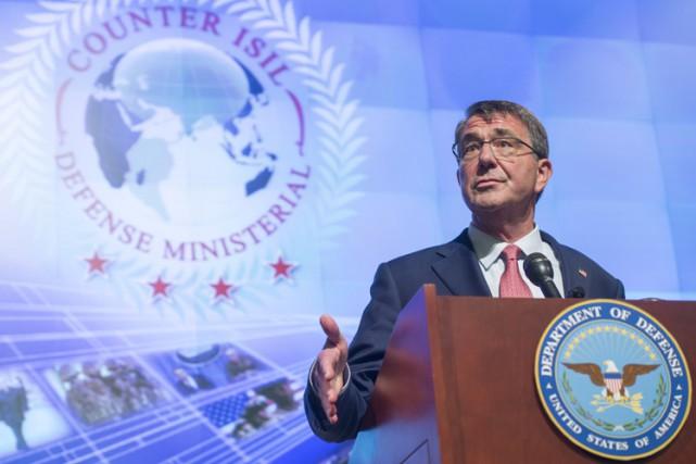 Le secrétaire américain à la Défense, Ashton Carter.... (PHOTO AFP)