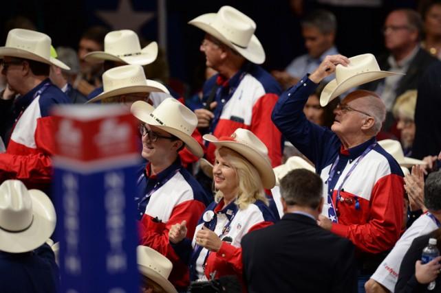 Les Blancs sont favorables à Donald Trump, 47%... (PHOTO AFP)