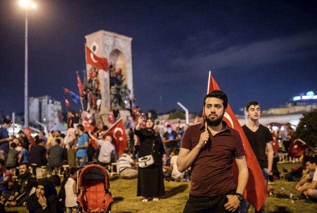 Après le coup d'état raté, le gouvernement s'est... (AFP)