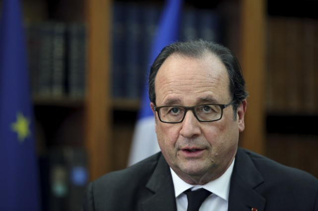 François Hollande a le cheveu dispendieux.... (AP)