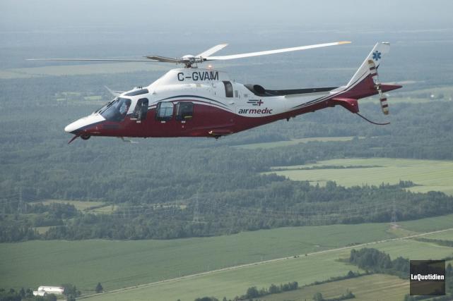 Le transport effectué avec un hélicoptère Agusta permet... (Photo Le Quotidien, Michel Tremblay)