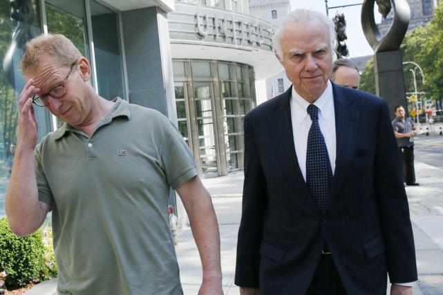 Mark Johnson (à gauche) aux côtés de son... (Kathy Willens, AP)