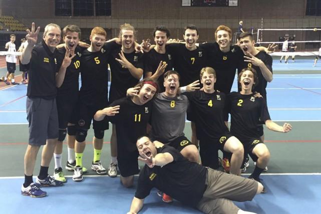 Le Centre-du-Québec a mérité le bronze en volleyball... (Courtoisie)