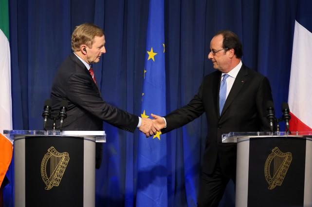 Le premier ministre irlandais Enda Kenny et le... (PHOTO AFP)