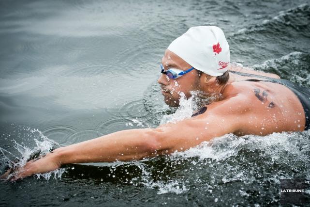 Le nageur Sherbrookois Xavier Desharnais s'inquiète pour l'avenir de son sport.... (Archives La Tribune, Jessica Garneau)