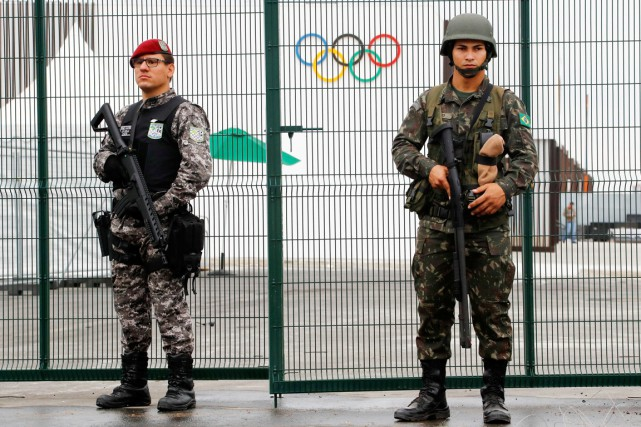 Un membre de la Force nationale de sécurité... (photo fabrizio Bensch, REUTERS)