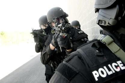 La police de Sherbrooke a dû sortir l'artillerie lourde, mercredi soir, dans le... (Archives)