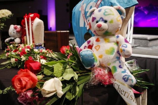 Les funérailles des deux disparues ont eu lieu... (Photo Jeff McIntosh, La Presse Canadienne)