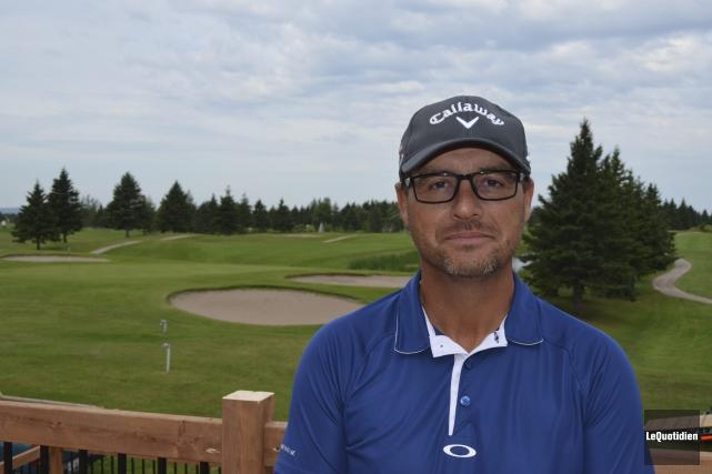 Gilles Larouche avance que le «Méga week-end golf»... (Photo Le Quotidien, Louis Potvin)
