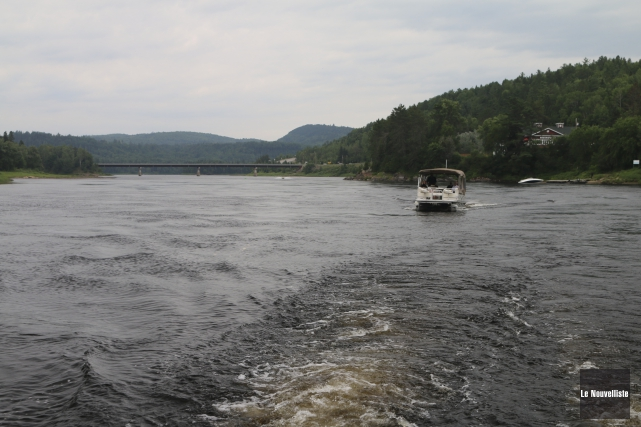 La rivière Saint-Maurice... (Audrey Tremblay, Le Nouvelliste)