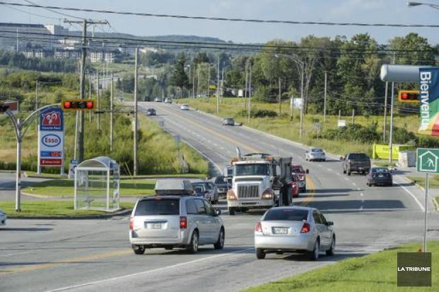 La circulation n'a pas été de tout repos, vendredi matin, dans le secteur de la... (Archives La Tribune)