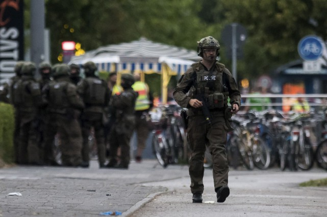 La police demande à la population d'éviter les... (AFP)