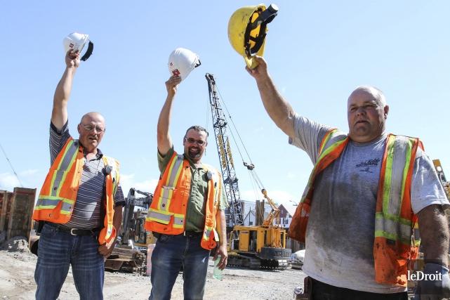 Bob McMillan, préventionniste sur le chantier, Francis Piché,... (Patrick Woodbury, LeDroit)