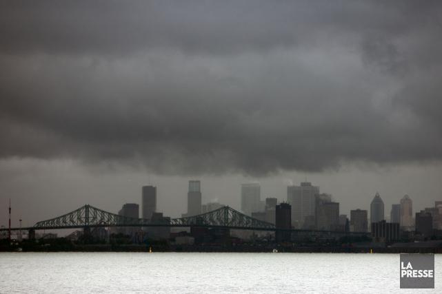 De violents orages et de fortes précipitations se sont abattus samedi... (PHOTO ARCHIVES LA PRESSE)