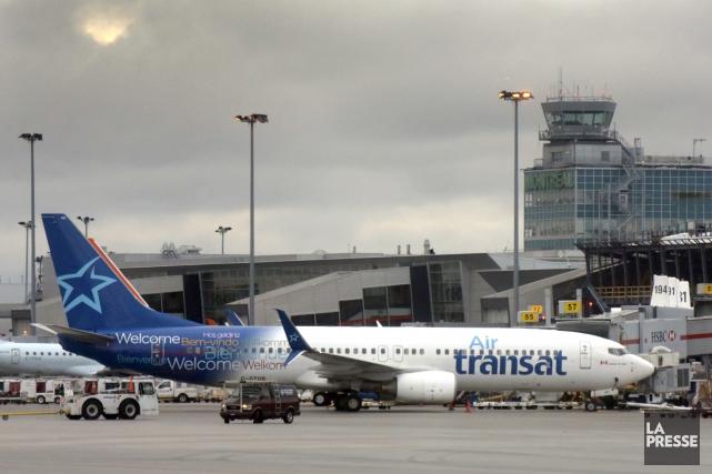Les agents de bord d'Air Transat étaient sans... (Archives La Presse, BERNARD BRAULT)