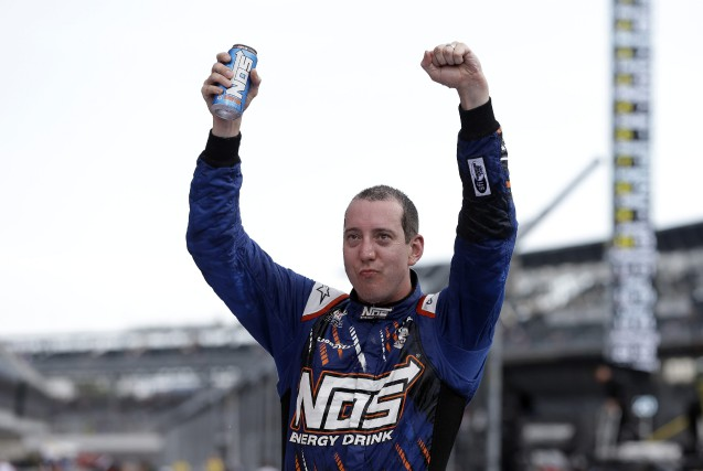 Kyle Busch... (PHOTO Michael Conroy, AP)