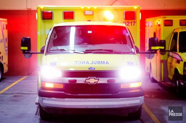 Un automobiliste repose dans un état critique mercredi matin à l'hôpital après... (PHOTO ARCHIVES LA PRESSE)