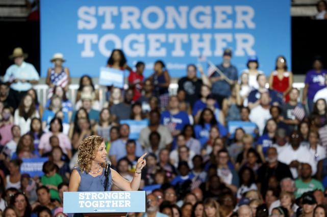 La présidente du Conseil national démocrate, Debbie Wasserman... (AP, Mary Altaffer)