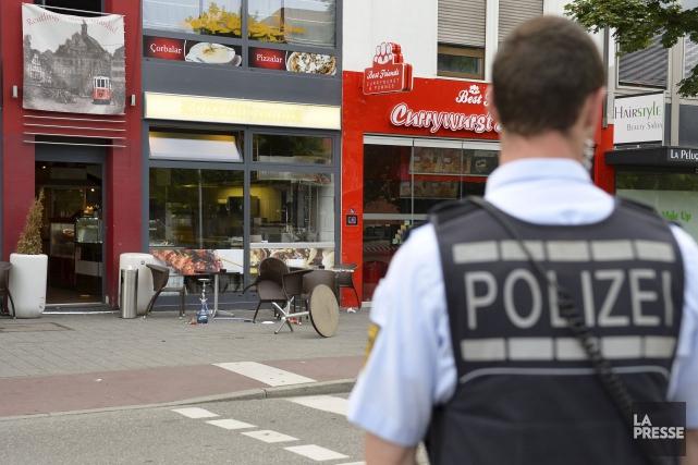 La scène s'est produite devant ce restaurant de... (AFP, THOMAS KIENZLE)