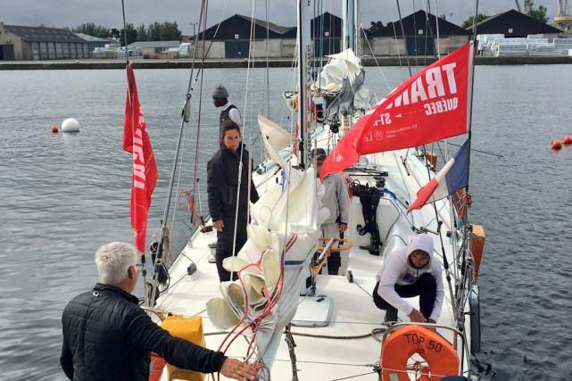 L'équipage du Dynamique Guadeloupe a touché port lundi... (Tirée du Twitter de la Transat Québec-Saint-Malo)