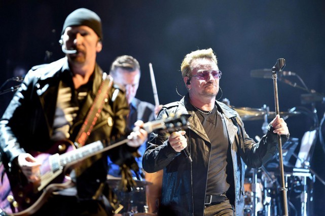 The Edge et Bono du groupe U2.... (ARCHIVES AP)