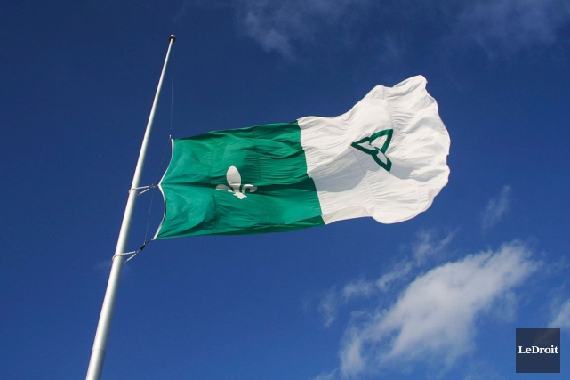 C'est bien beau d'avoir un drapeau et une... (Etienne Ranger, Archives LeDroit)