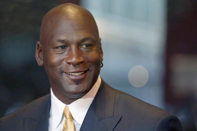 Pour tenter d'apaiser les tensions, Michael Jordan a... (PHOTO AP)