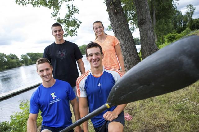 Quatre rameurs du Club de canoë-kayak de Trois-Rivières... (Olivier Croteau)