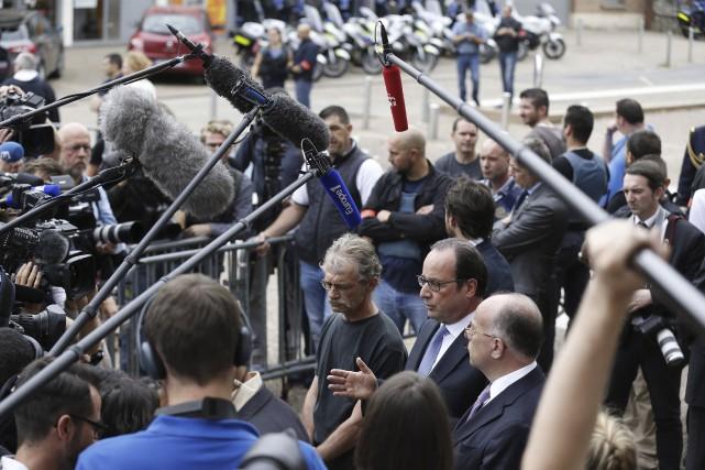 Le président français François Hollande s'est rendu sur... (AFP, Charly Triballeau)