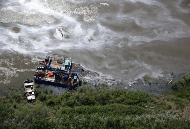 L'eau de Prince Albertprovient principalement de la rivière... (PhotoJason Franson, La Presse Canadienne)