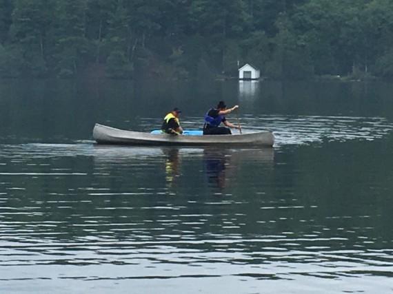 Les agents ont utilisé un canot et des... (Courtoisie, Sécurité publique de la MRC des Collines-de-l'Outaouais)