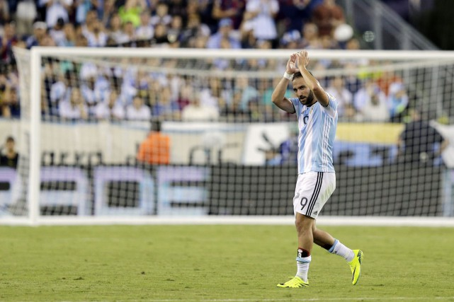 L'attaquant argentin Gonzalo Higuain.... (photo Charles Krupa, archives AP)