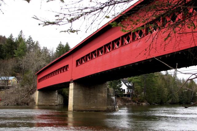 Le pont couvert de Wakefield... (Wikimedia Commons)