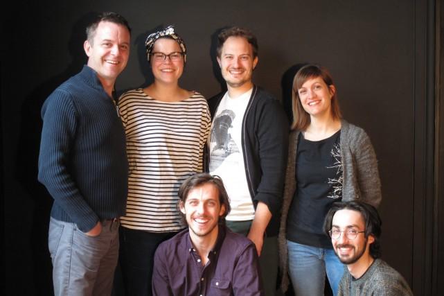 L'équipe du Théâtre du 2X4 comprend le metteur... (Photo courtoisie, Caroline Bélanger)
