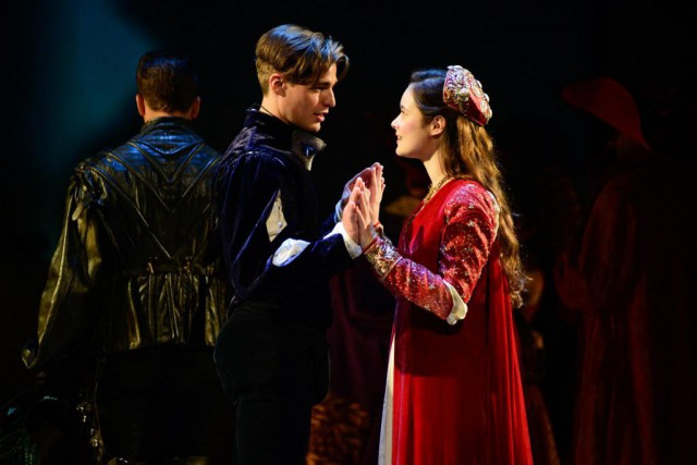La pièce Roméo et Juliettemise en scène par... (Photo Yves Renaud, fournie par le TNM)