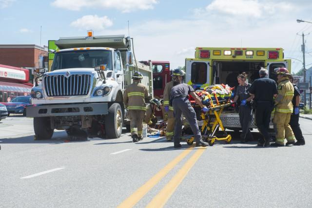 Un conducteur de quadriporteur impliqué dans un accident sur la rue King Est en... (Spectre Média, Julien Chamberland)