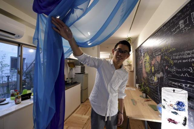 Un hôte d'Airbnb propose une chambre d'hôte à... (PHOTO AFP)