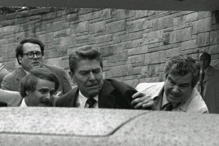 Lors de la tentative d'assassinat Reagan en 1981,...