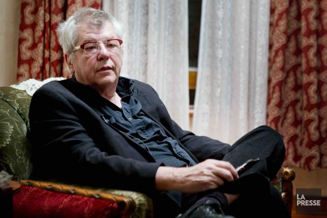 Le réalisateur André Forcieren marge du tournage d'Embrasse-moi... (La Presse, Marco Campanozzi)